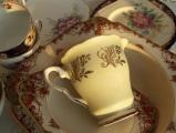 <h5>Vintage tea service</h5>