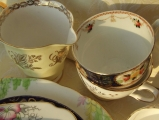 <h5>Tea cups for hire</h5>