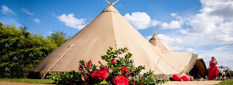Summer Wedding in Hampshire. Tepee Hire